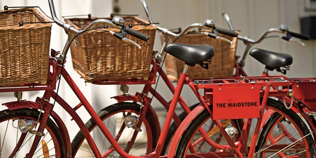 c/o-The-Maidstone-Inn-Complementary-Bikes-via-DiCorcia-Interior-Design