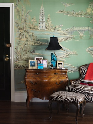 Elizabeth-Bauer-Foyer-de-Gournay-Wallpaper-via-DiCorcia-Interior-Design-NY-NJ