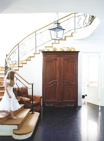 Caline-Williams-Wynn-Cape-Town-Home-Staircase-via-DiCorcia-Interior-Design-NY-NJ