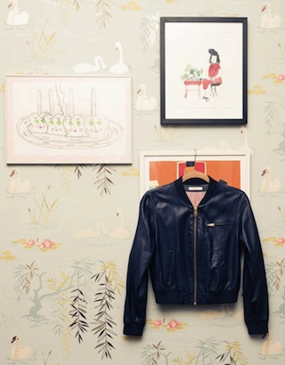 Sally-Singer-The-Coveteur-Nina-Campbell-Swan-Lake-Wallpaper-via-DiCorcia-Interior-Design-NY-NJ