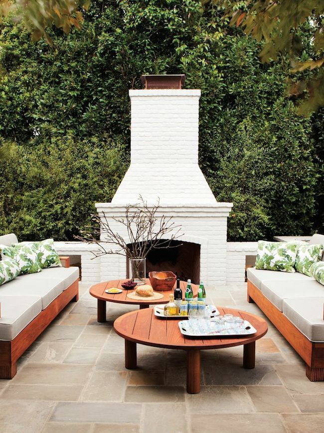 Outdoor-Living-Room-Brentwood-home-designed-by-Peter-Dunham-via-DiCorcia-Interior-Design-NY-NJ