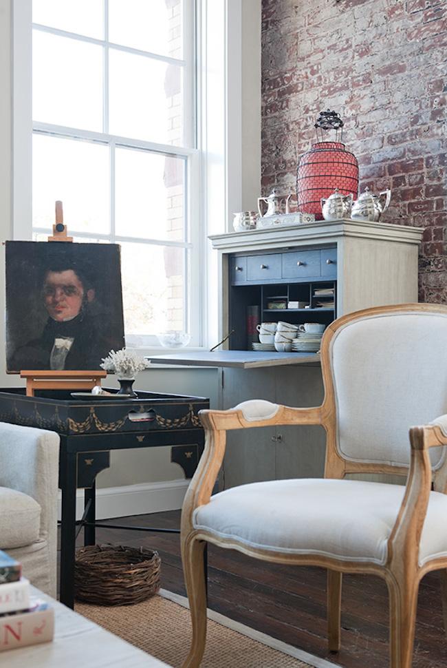 Living-Room-NYC-apartment-Jenny-Wolf-via-DiCorcia-Interior-Design-NY-NJ