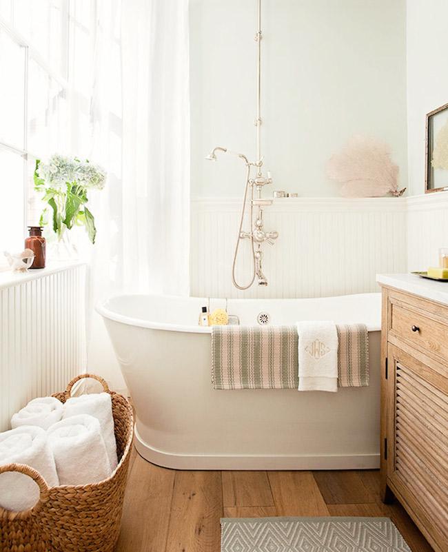 Bathroom-NYC-apartment-Jenny-Wolf-via-DiCorcia-Interior-Design-NY-NJ